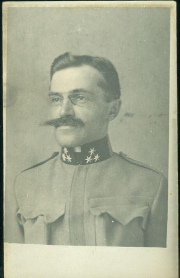 Vojak s peknym knirem   antikvariat - detail pohlednice