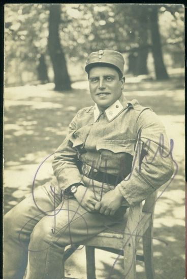 Vojak na zidli v parku | antikvariat - detail pohlednice